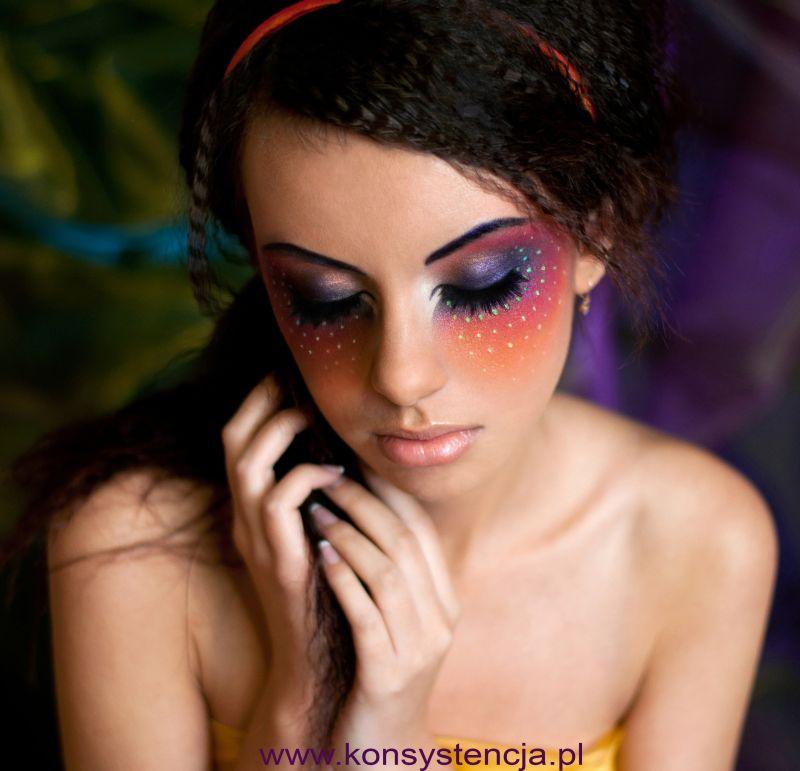 makijaż do sesji zdjęciowej, makijaż fotograficzny Poznań, makijaż i fryzura do sesji, ciekawy makijaż do zdjęć, kolorowy makijaż, kolorowy make up, niecodzienny makijaż, makijaż karnawałowy, profesjonalny makijaż Poznań, wizażystka Poznań, wizaż Poznań, fryzury Poznań, fryzura do sesji zdjęciowej, kreatywny makijaż, najpiękniejsze makijaże, piękny makijaż, www.konsystencja.pl Sabina Piechaczyk